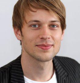 Dr. Nikolas Wölfing